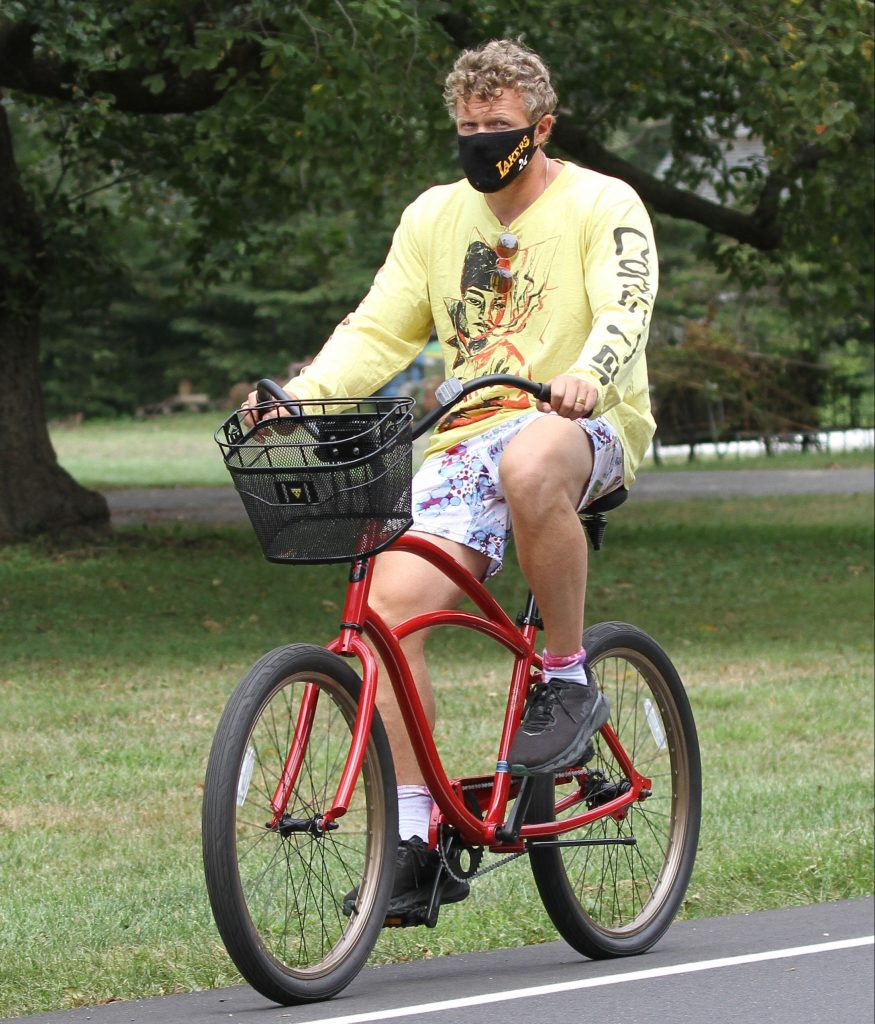 Emily Ratajkowski and husband Sebastian Bear-McClard seen going for bike ride in the Hampton's.Pictured: Sebastian,Bear-McClardRef: SPL5182062 150820 NON-EXCLUSIVEPicture by: Splash News Matt Agudo / SplashNews.comSplash News and PicturesUSA: +1 310-525-5808London: +44 (0)20 8126 1009Berlin: +49 175 3764 166photodesk@splashnews.comWorld Rights
