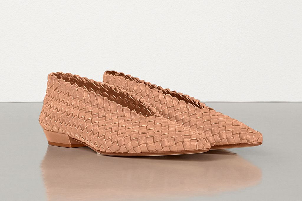 bottega veneta, bottega veneta almond flat, bottega veneta shoes, fall 2020 fashion trends, fall 2020 shoe trends, fall 2020, shoe trends, bottega veneta ballet flat, ballet flat