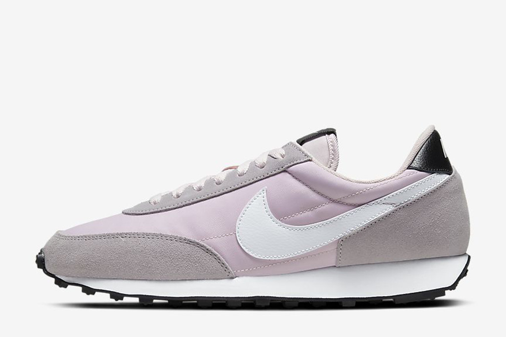 nike daybreak, nike sneakers, purple sneakers