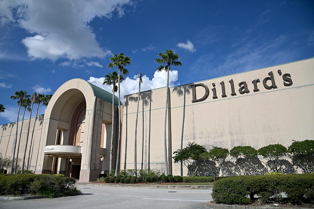 Dillard S Stock Soars After Narrowing Q2 Losses Amid Covid 19 Footwear News
