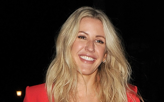 ellie-goulding-red-shirt-shorts-boots