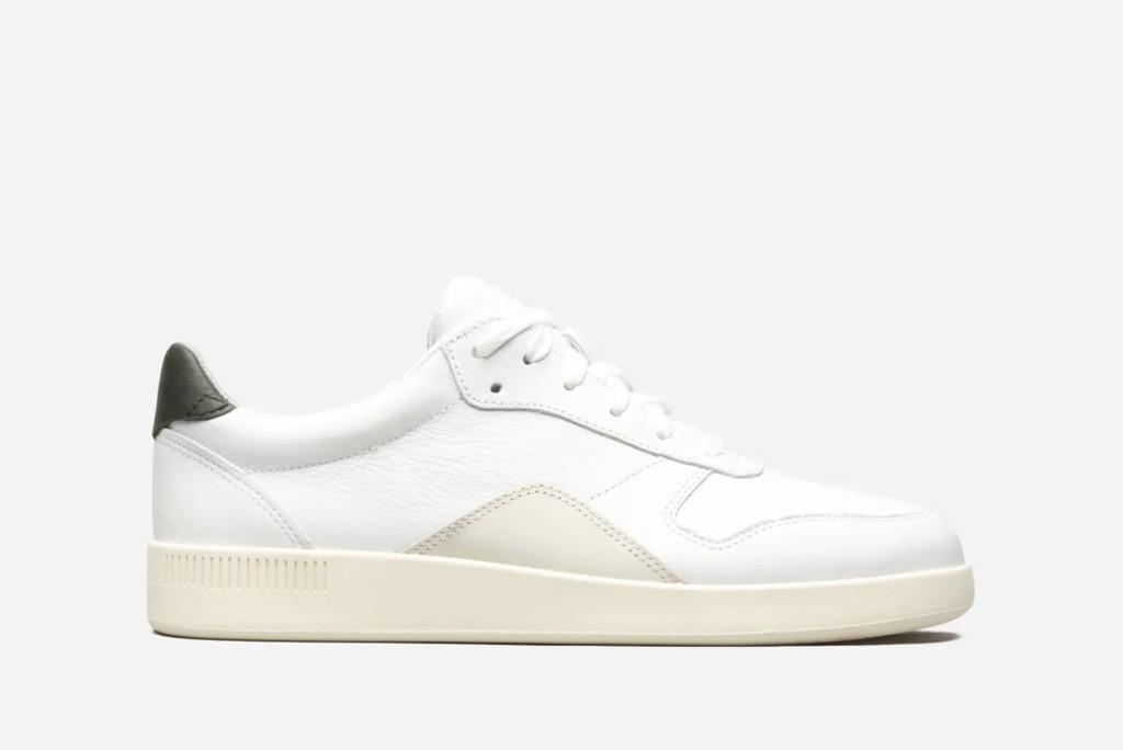 everlane sneaker, court sneaker, sustainable sneaker
