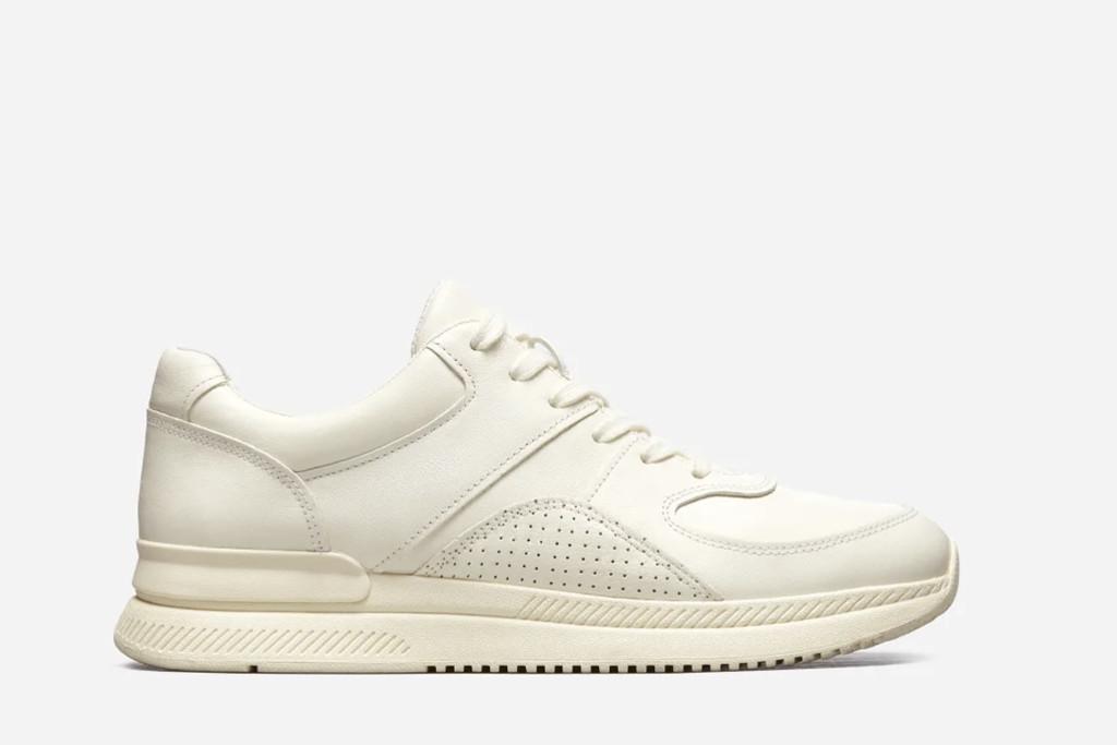 everlane sneaker, white sneaker trend, white sneakers