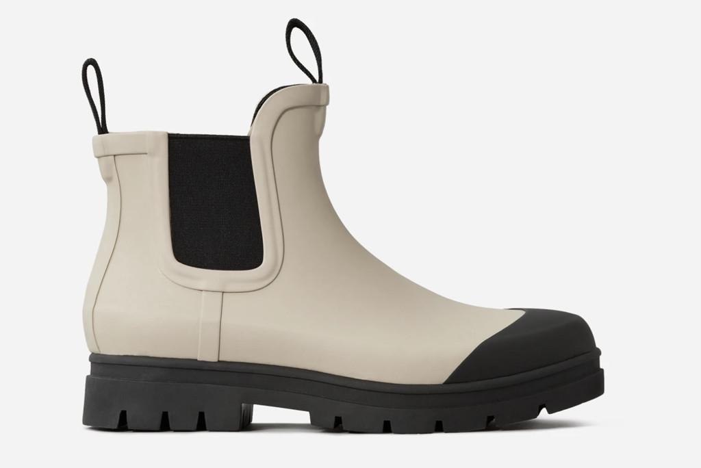 everlane rainboot, fall 20 boot, rubber boots