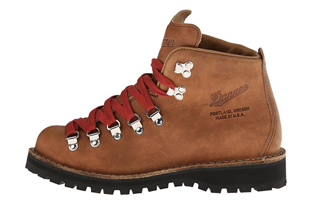 danner boot, fall 20 boot, hiking trend boot