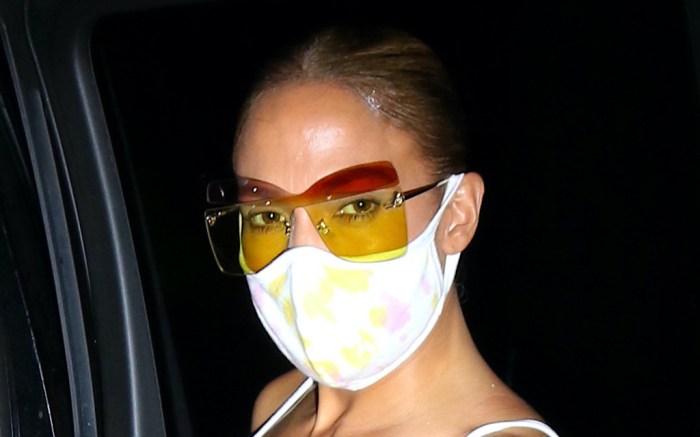 jennifer-lopez-white-glasses-sweatpants