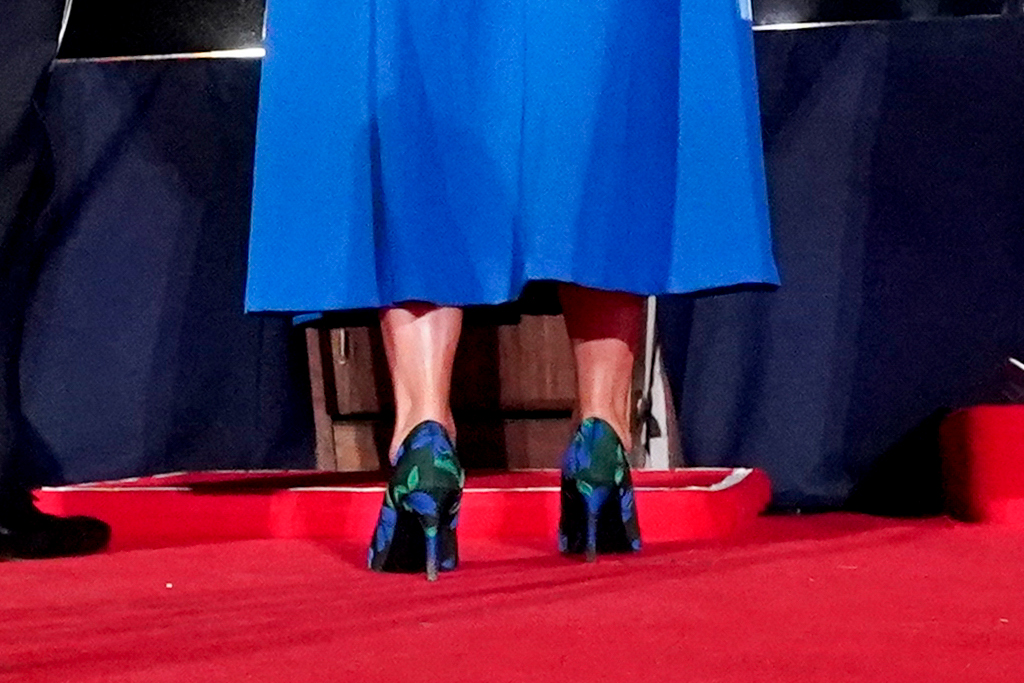 karen pence, rnc, republican national convention, mike pence, second lady, blue dress, heels, floral