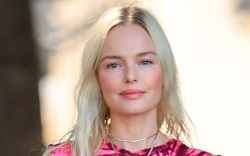kate bosworth, dress, tie-dye, pink, sneakers,