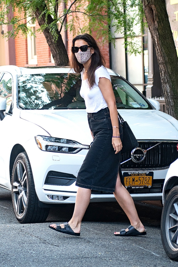 Katie Holmes, style, skirt, dress, mask, sunglasses, sandals, new york