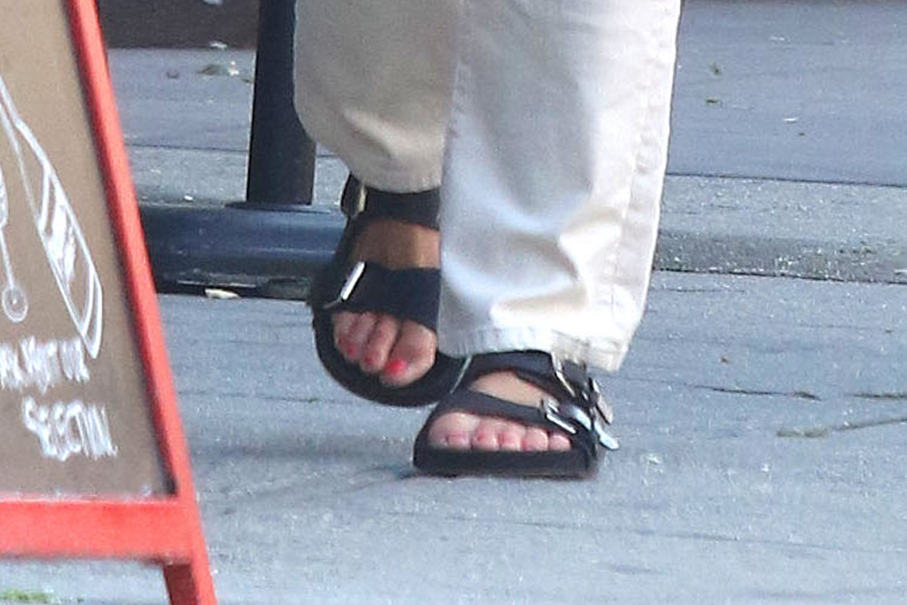 katie holmes, sandals, ugly sandals, sneakers, jeans, sweater, acne studios, necklace, mask, sunglasses, new york