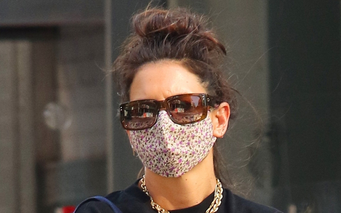 katie-homes-style-mask-necklace