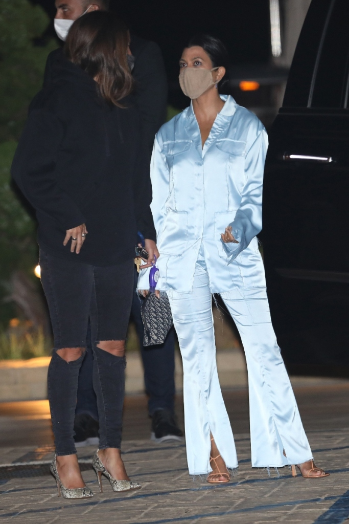 kourtney kardashian, blue, pajamas, silk, set, sandals, tan, dinner, nobu