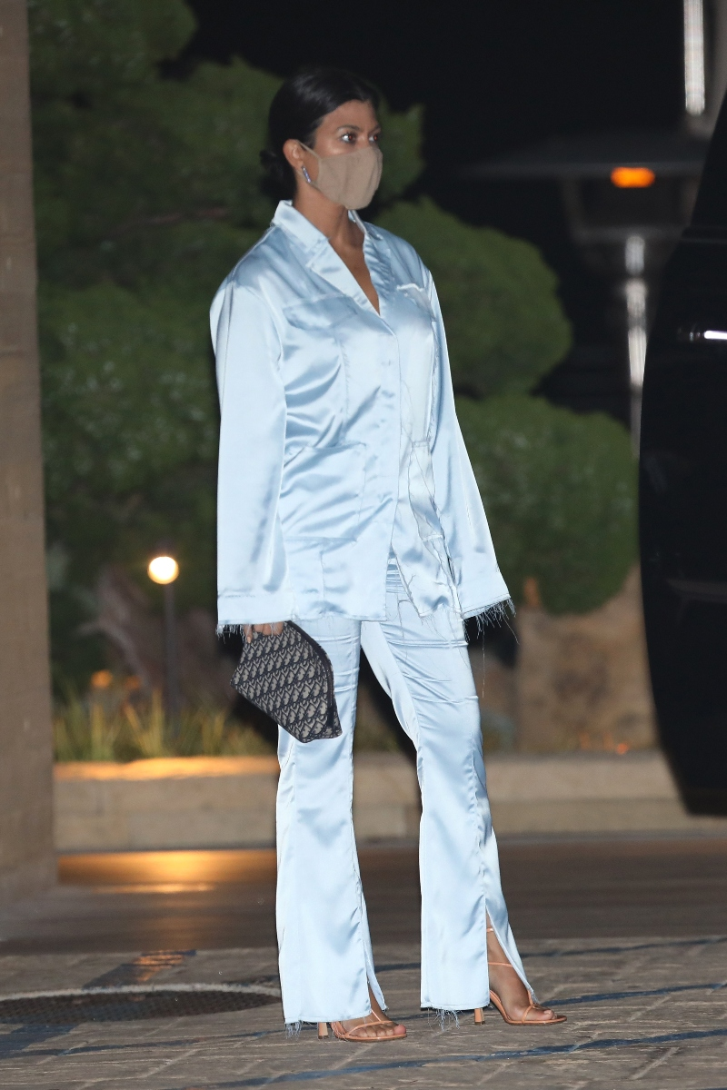 kourtney kardashian, blue, pajamas, silk, set, sandals, tan, dinner, nobu