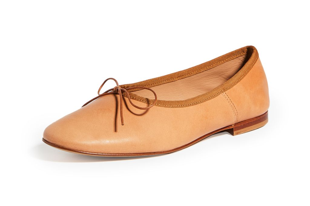 mansur gavriel, mansur gavriel ballerina flat, mansur gavriel dream ballerina flat, ballet flat, fall 2020 shoe trends, shoes, fashion trends