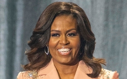 michelle obama, style, sneakers, jeans