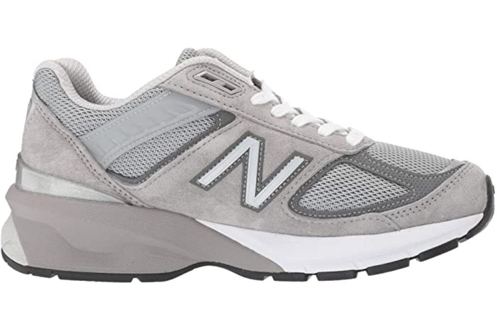 new balance, new balance 990, new balance gray, gray sneakers, zoe kravitz new balance, zoe kravitz
