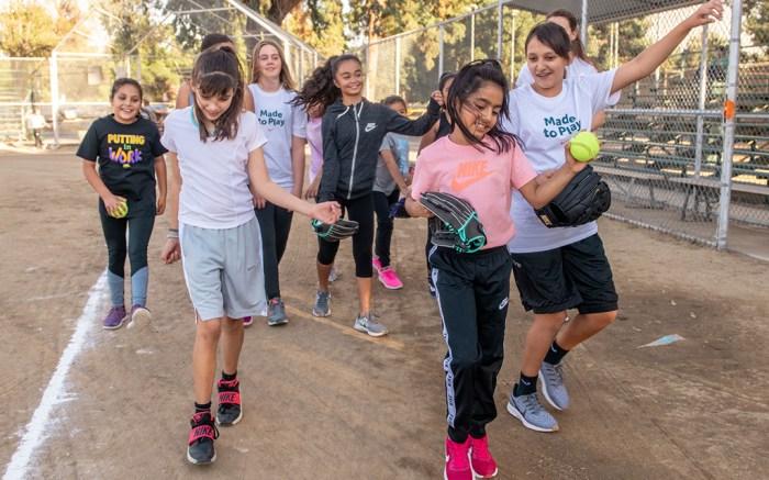 Nike Girls Softball