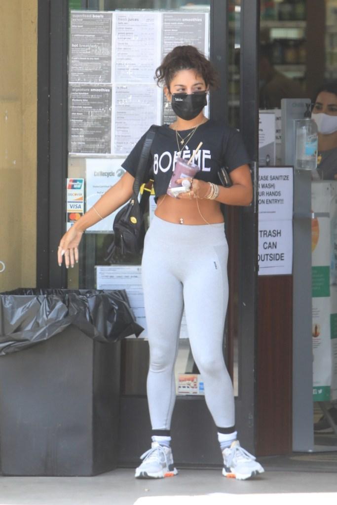 vanessa hudgens, leggings, crop top, sneakers, mask, adidas, smoothie