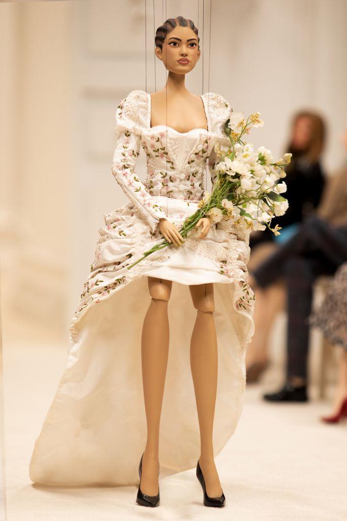 moschino, moschino spring 2021, mfw, milan fashion week, moschino puppet show