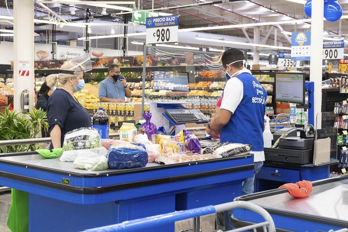 Walmart Is Hiring 20,000 Workers to Keep Up With Holiday Shopping Demand — Here's the Starting Salary