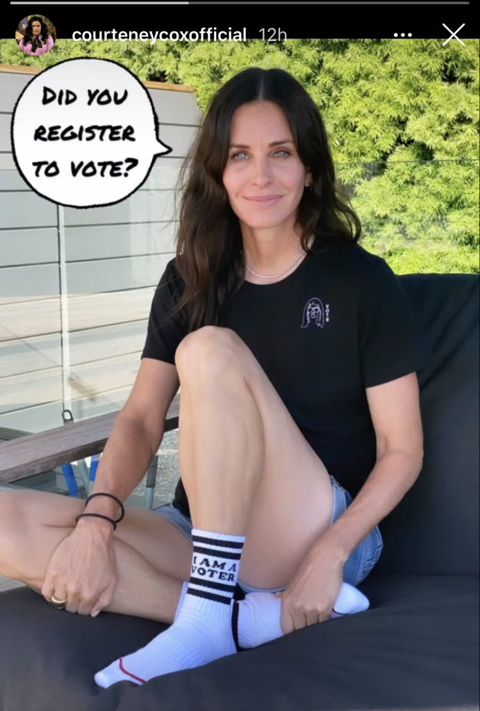 courteney cox, shorts, style, shirt, socks, mother