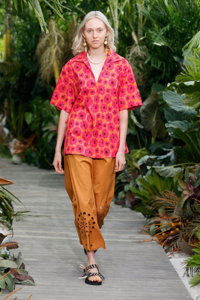 jason wu, jason wu spring 2021, nyfw, new york fashion week, ugly sandal, arizona love jason wu, fashion trends