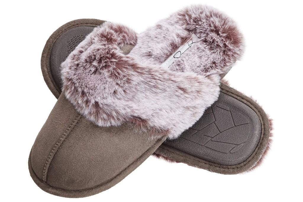 Jessica Simpson Women's Comfy Faux Fur House Slipper