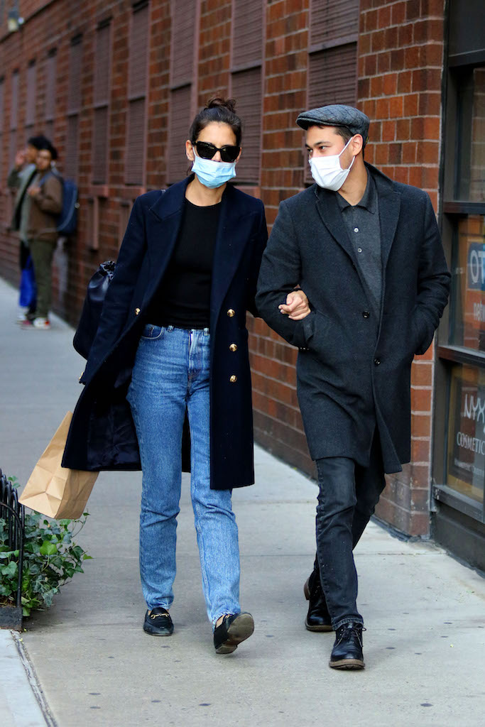Katie Holmes and boyfriend Emilio Vitolo Jr. walk arm-in-arm in Manhattan's Soho area. 22 Sep 2020 Pictured: Katie Holmes and Emilio Vitolo Jr. Photo credit: LRNYC / MEGA TheMegaAgency.com +1 888 505 6342 (Mega Agency TagID: MEGA702346_004.jpg) [Photo via Mega Agency]