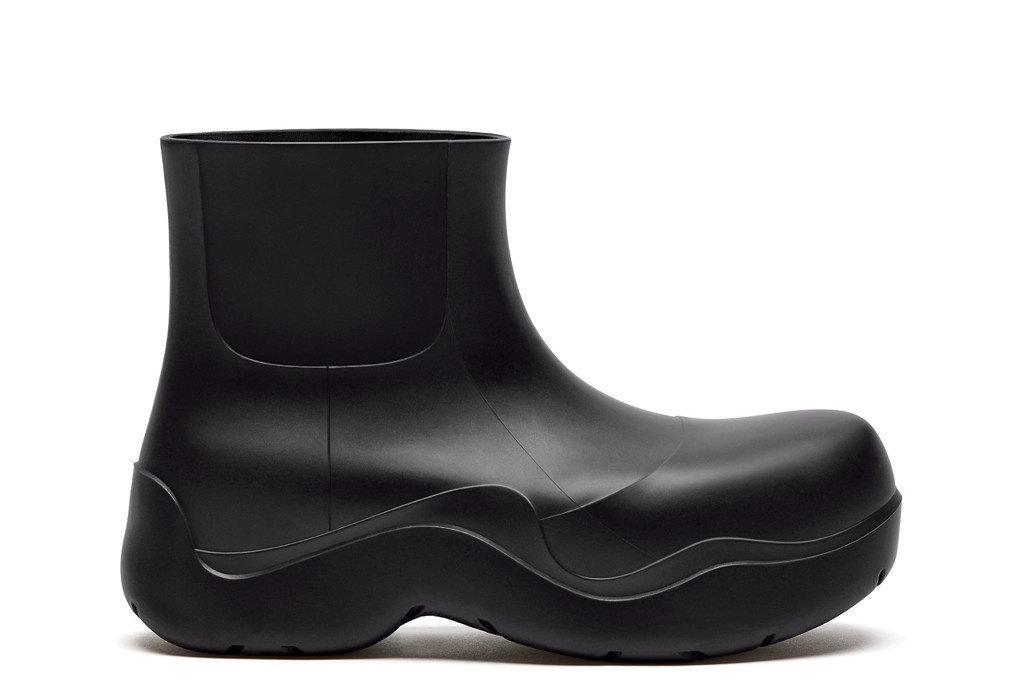 bottega veneta fall '20, bottega veneta puddle boot, black puddle boot