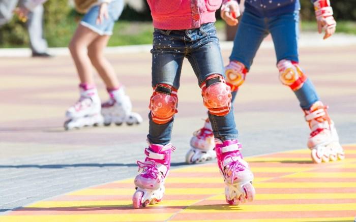 girls roller skating