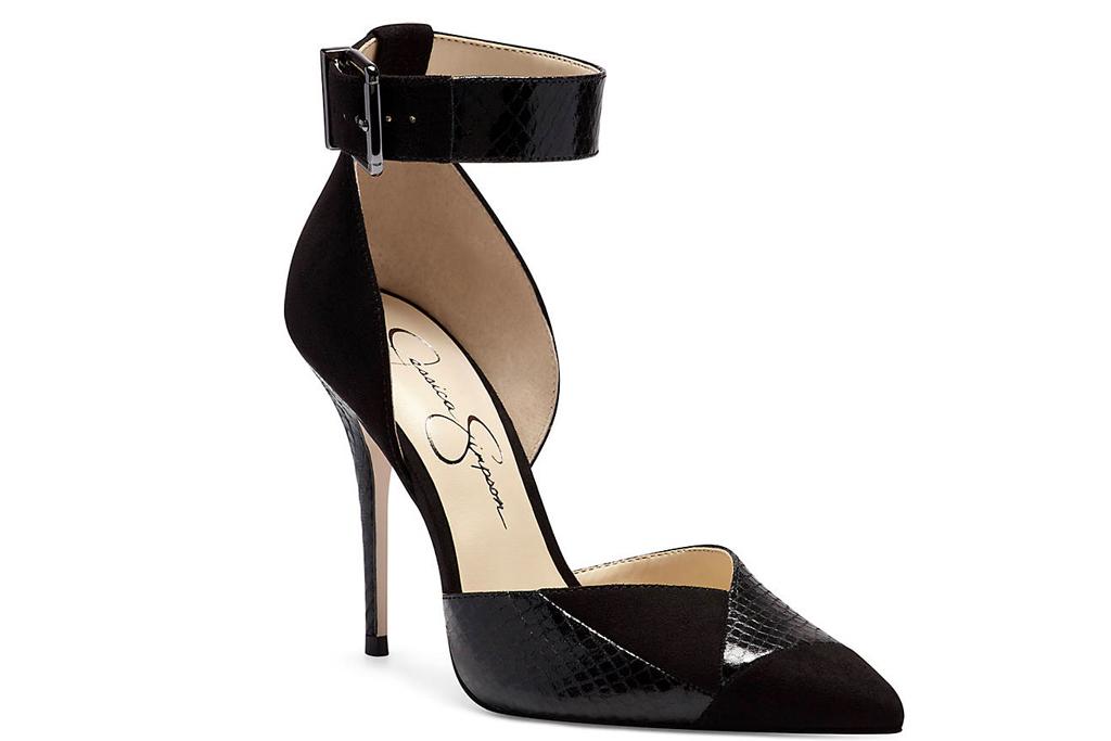 jessica simpson, heels, black pumps, jessica simpson