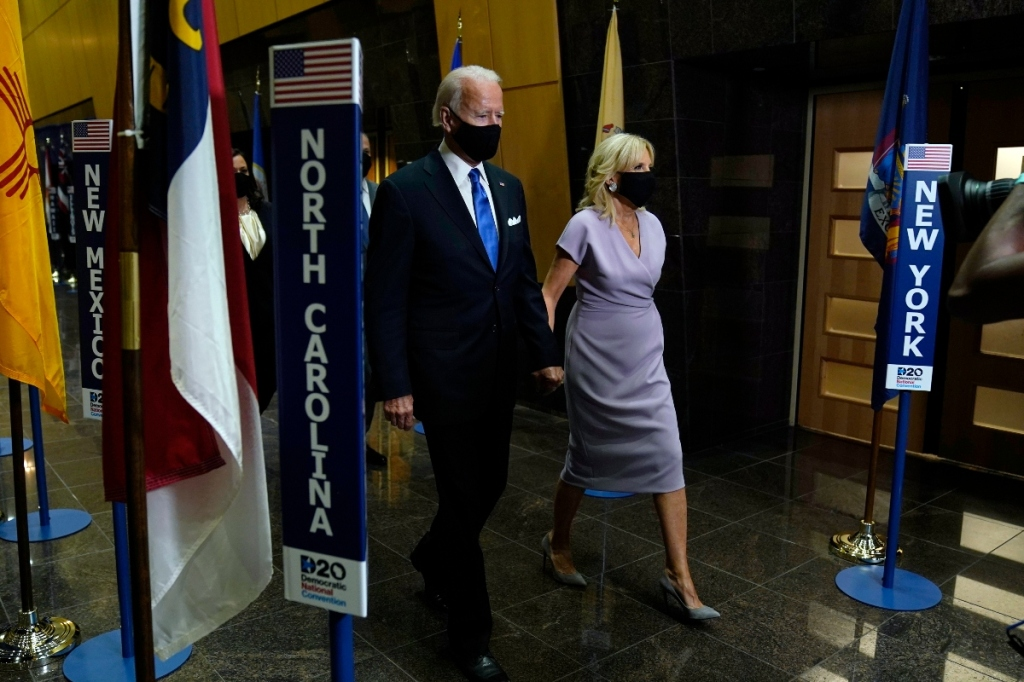 jill biden, dress, purple, heels, pumps