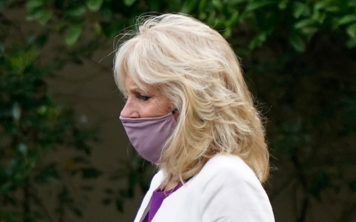 jill-biden-style-dress-purple-mask