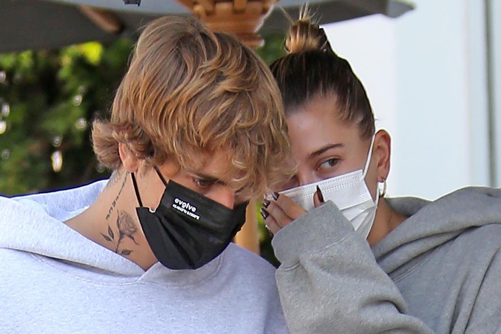 Hailey Baldwin Goes Pantless in a Hoodie & Adidas With Justin Bieber –  Footwear News