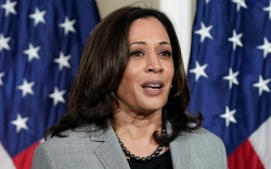 kamala harris, style, suit, shirt, pants,