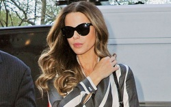 kate beckinsale, style, shoes, jacket