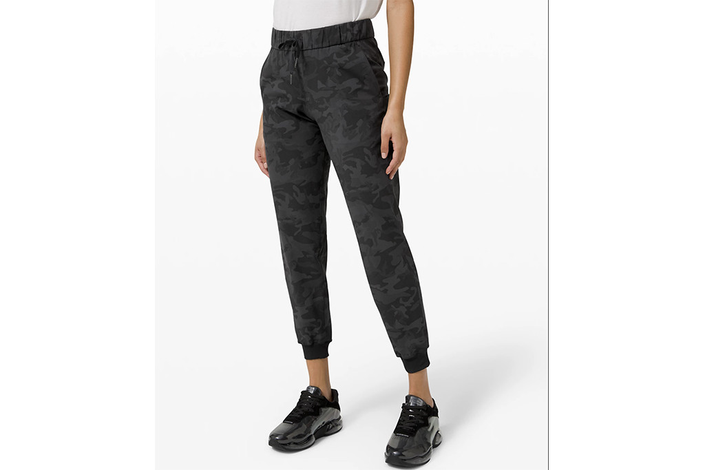 lululemon on the fly jogger, best lululemon gear, lululemon