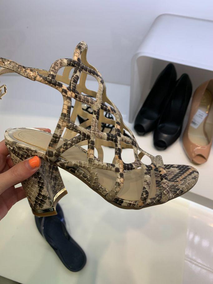macys-guess-heels-deals