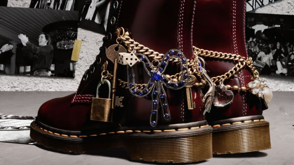 marc jacobs, dr martens, boots, doc martens, red, heel, combat boots, chains, charms