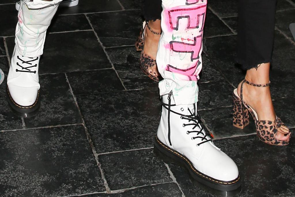 machine gun kelly, megan fox, style, jeans, jacket, shoes, heels, cheetah, style