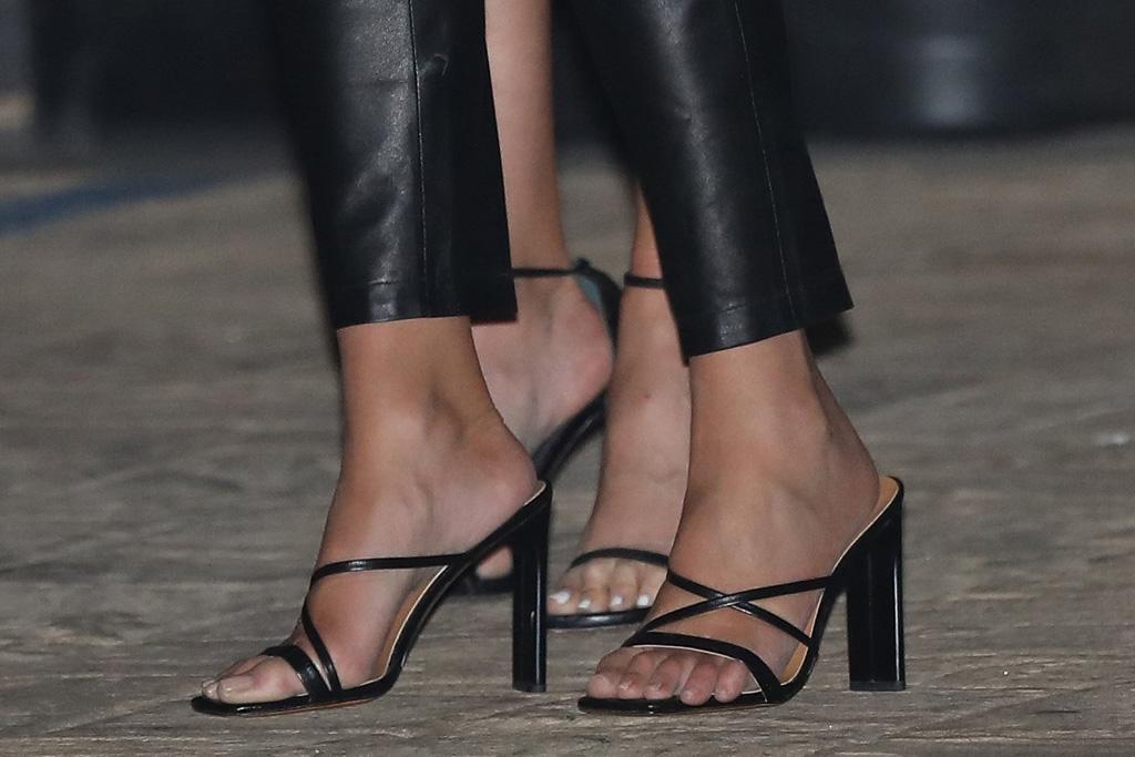 olivia culpo, leather pants, skinny jeans, heels, sandals, pants, style, black, heels, dog