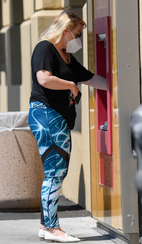 rebel wilson, leggings, shirt, loafers, shoes, style, mask, los angeles