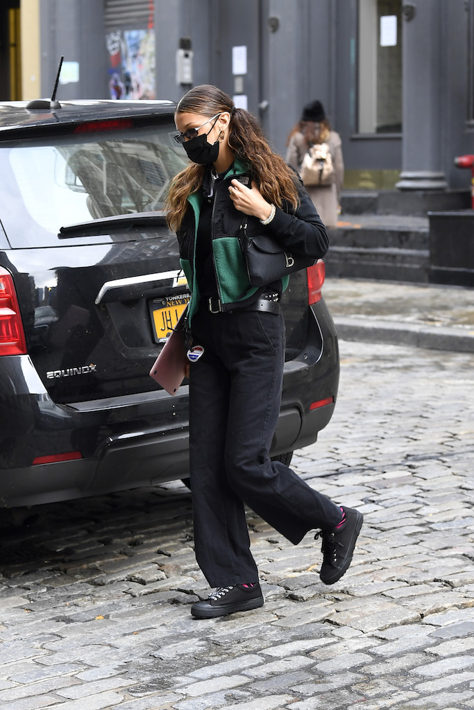 Bella Hadid is seen arriving home after going to vote.Pictured: Bella Hadid Ref: SPL5195491 301020 NON-EXCLUSIVE Picture by: Elder Ordonez / SplashNews.com Splash News and Pictures USA: +1 310-525-5808 London: +44 (0)20 8126 1009 Berlin: +49 175 3764 166 photodesk@splashnews.com World Rights, No Poland Rights, No Portugal Rights, No Russia Rights