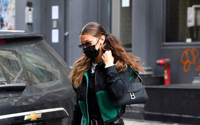 Bella Hadid is seen arriving home after going to vote.Pictured: Bella HadidRef: SPL5195491 301020 NON-EXCLUSIVEPicture by: Elder Ordonez / SplashNews.comSplash News and PicturesUSA: +1 310-525-5808London: +44 (0)20 8126 1009Berlin: +49 175 3764 166photodesk@splashnews.comWorld Rights, No Poland Rights, No Portugal Rights, No Russia Rights