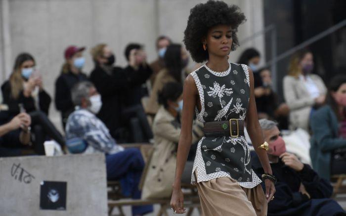 chloe, chloe spring 2021, chloe paris fashion week, pfw, paris fashion week