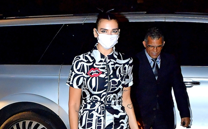 Dua Lipa looks striking in Chrome Hearts dress out to dinner in NYC.Pictured: Dua LipaRef: SPL5190520 011020 NON-EXCLUSIVEPicture by: Sonali / SplashNews.comSplash News and PicturesUSA: +1 310-525-5808London: +44 (0)20 8126 1009Berlin: +49 175 3764 166photodesk@splashnews.comWorld Rights