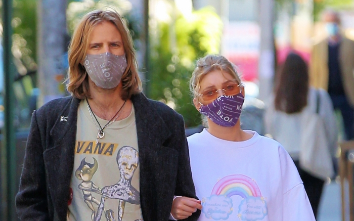 Pregnant model Elsa Hosk and Tom Daly wear matching VOTE face masks on their way to breakfast in New York CityPictured: Elsa Hosk,Tom DalyRef: SPL5190792 031020 NON-EXCLUSIVEPicture by: Christopher Peterson / SplashNews.comSplash News and PicturesUSA: +1 310-525-5808London: +44 (0)20 8126 1009Berlin: +49 175 3764 166photodesk@splashnews.comWorld Rights