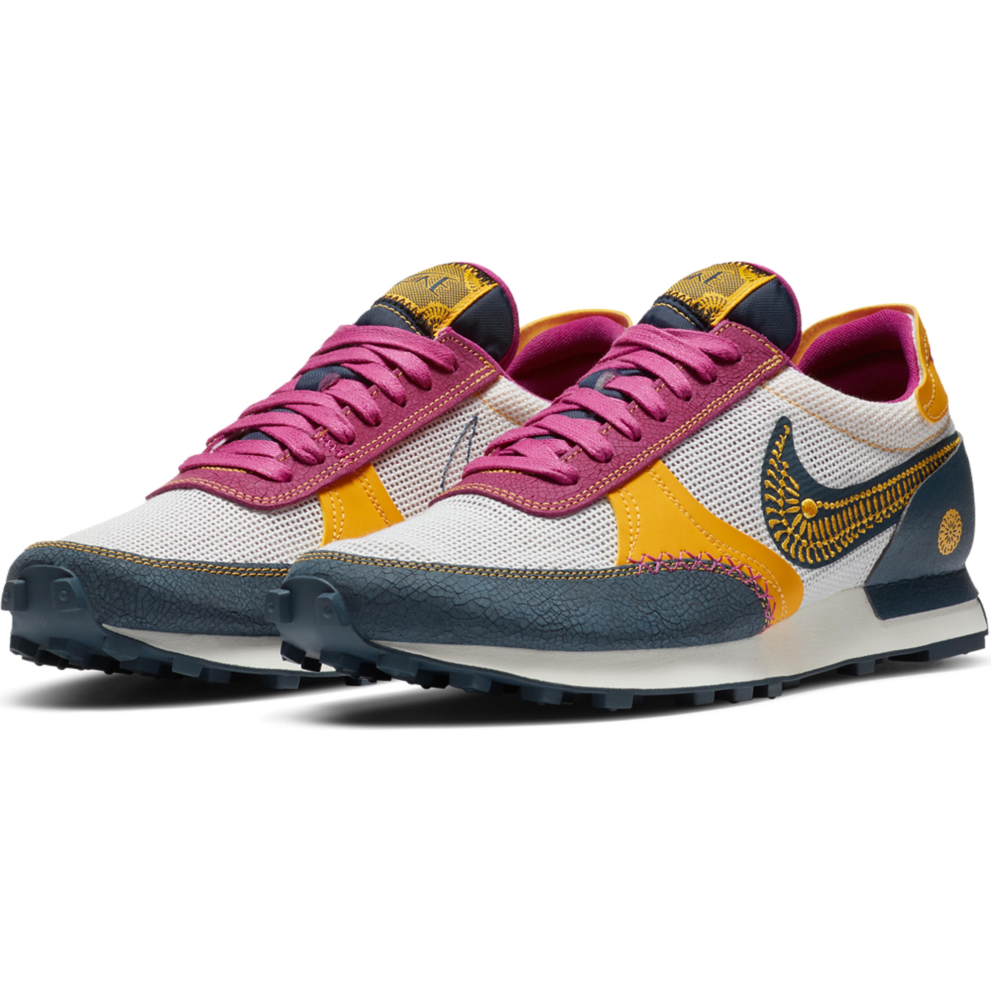 HO20_Nike_Sportswear_DBreak_Type_DOD02_99540