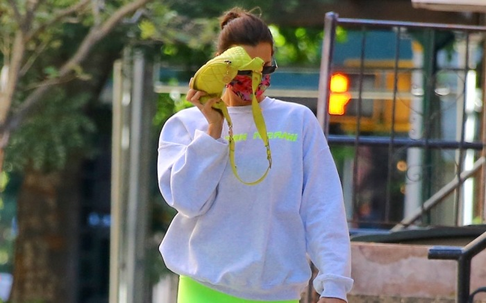 Model Irina Shayk is hiding behind her bumbag after a workout in The West Village, New York, NY on October 9, 2020.Photo by Dylan Travis/ABACAPRESS.COMPictured: Irina ShaykRef: SPL5191777 091020 NON-EXCLUSIVEPicture by: AbacaPress / SplashNews.comSplash News and PicturesUSA: +1 310-525-5808London: +44 (0)20 8126 1009Berlin: +49 175 3764 166photodesk@splashnews.comUnited Arab Emirates Rights, Australia Rights, Bahrain Rights, Canada Rights, Finland Rights, Greece Rights, India Rights, Israel Rights, South Korea Rights, New Zealand Rights, Qatar Rights, Saudi Arabia Rights, Singapore Rights, Thailand Rights, Taiwan Rights, United Kingdom Rights, United States of America Rights