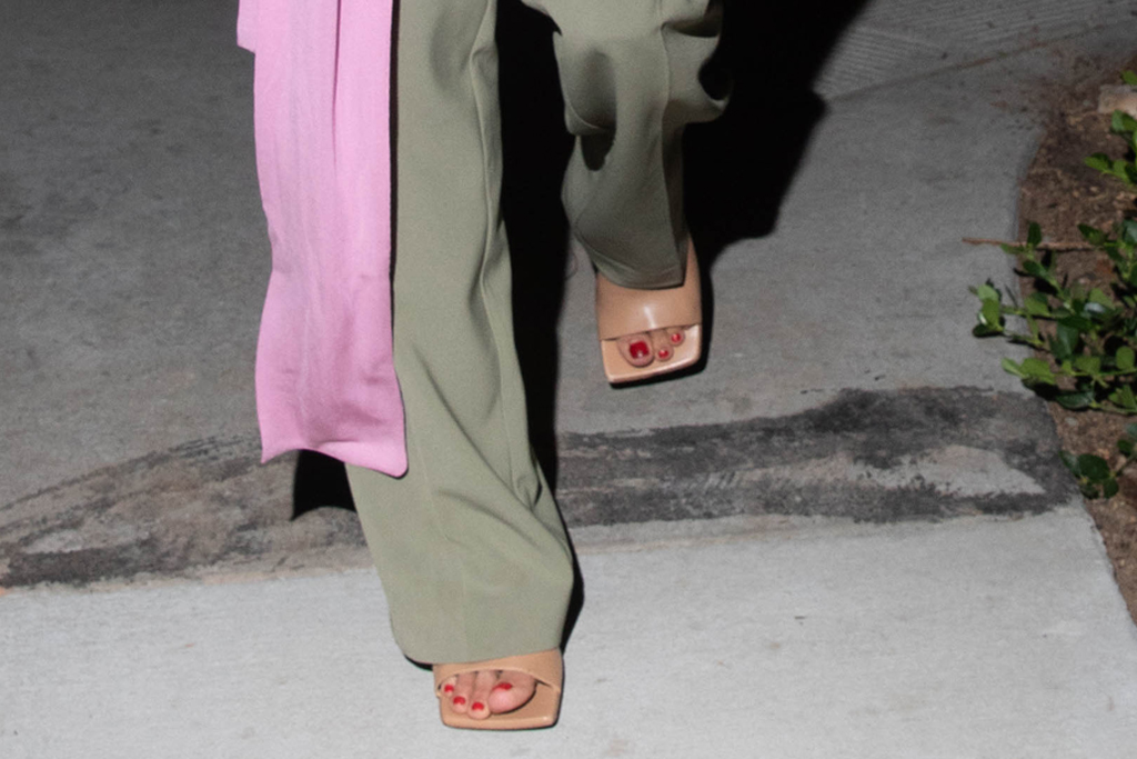 alessandra ambrosio, shirt, wrap, pink, pants, green, low-rise, sandals, heels tan, shoes, los angeles